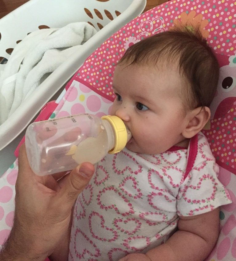 successfully bottle feeding a breastfed baby who wouldn't take a bottle for weeks after maternity leave ended