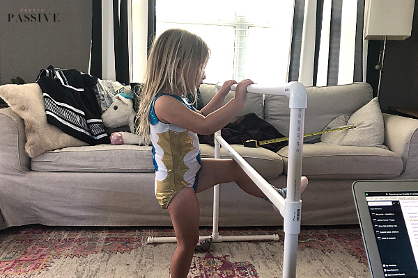 finished ballet barre for toddlers - cheap & easy craft project for tiny dancers!